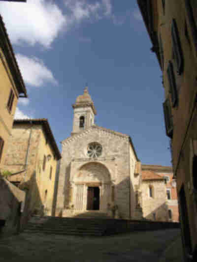 A church in San Quirico d'Orcia