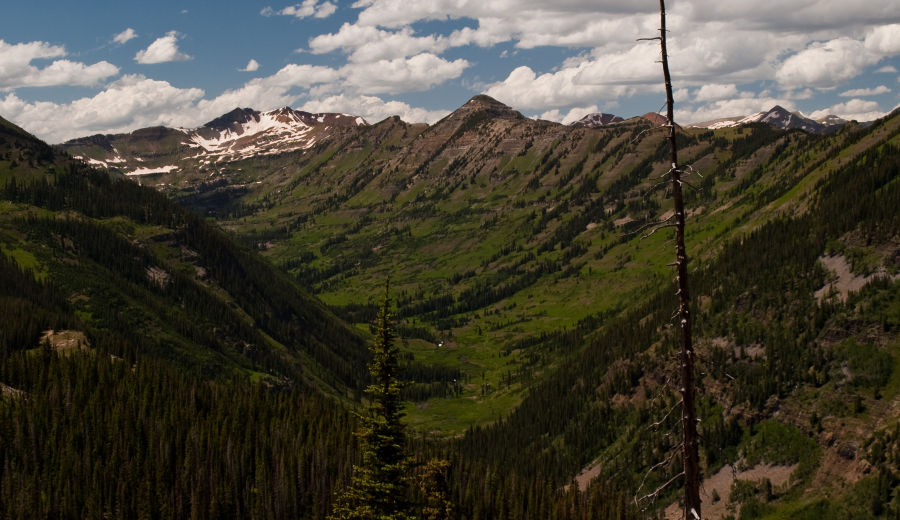 Oh-Be-Joyful valley visible from Gunsight Pass Road