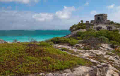 Ruins in Tulum above the sea