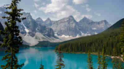 The amazing blue water and mountains of Moraine Lake